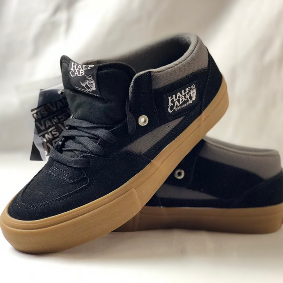 6b6bb33a1b Vans Men s Half Cab Pro Shoes Black Pewter Gum